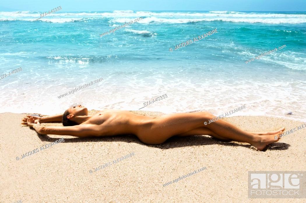 Naked Beach Tube