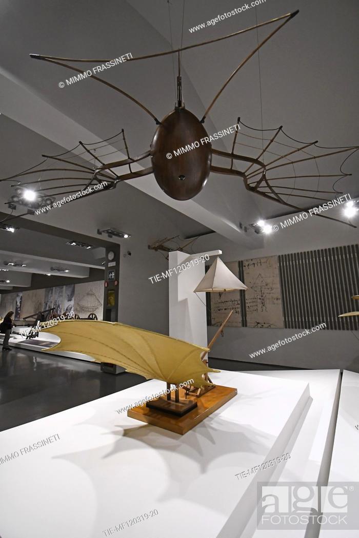 Imagen: Exhibition 'Leonardo da Vinci. La scienza prima della scienza' ( The science before the science)Devices and flying machines at Scuderie del Quirinale, Rome.
