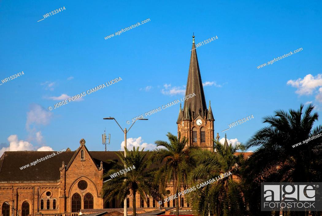 Imagen: Church of the Sacred Heart of Jesus, Medellin, Antioquia, Colombia.