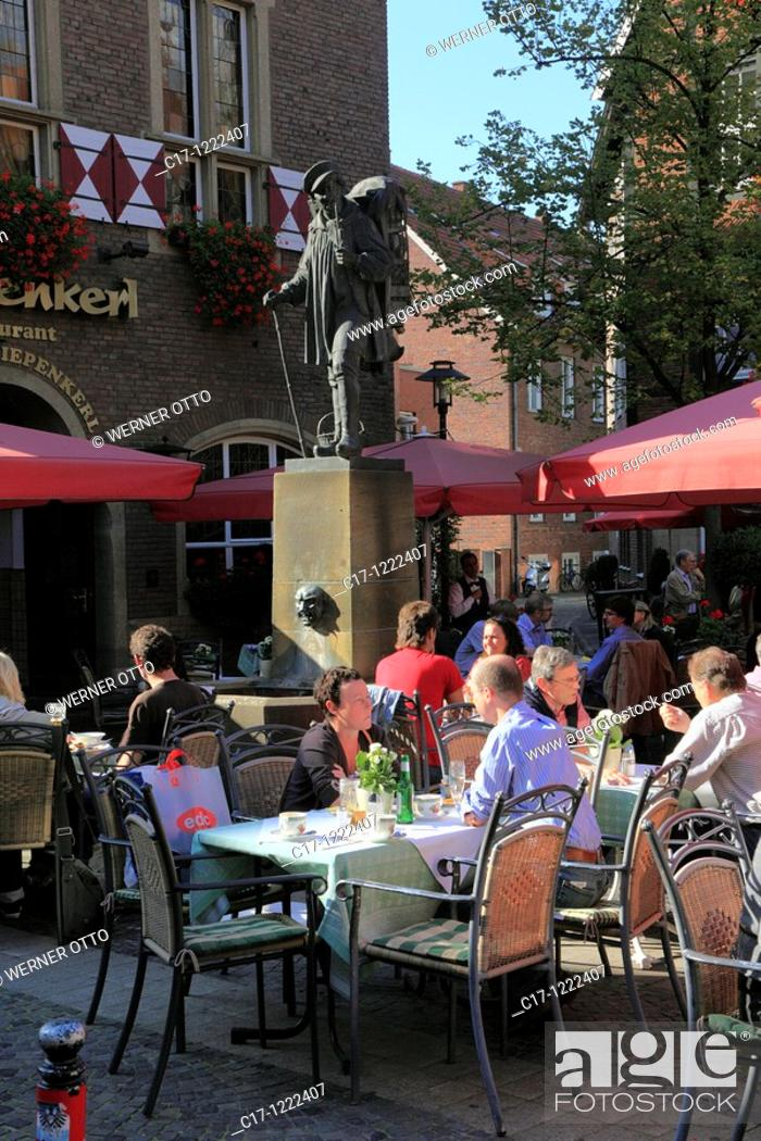 Stock Photo: Germany, Muenster, Westphalia, Muensterland, North Rhine-Westphalia, Spiekerhof Sqare, restaurant Kiepenkerl, Kiepenkerl monument.