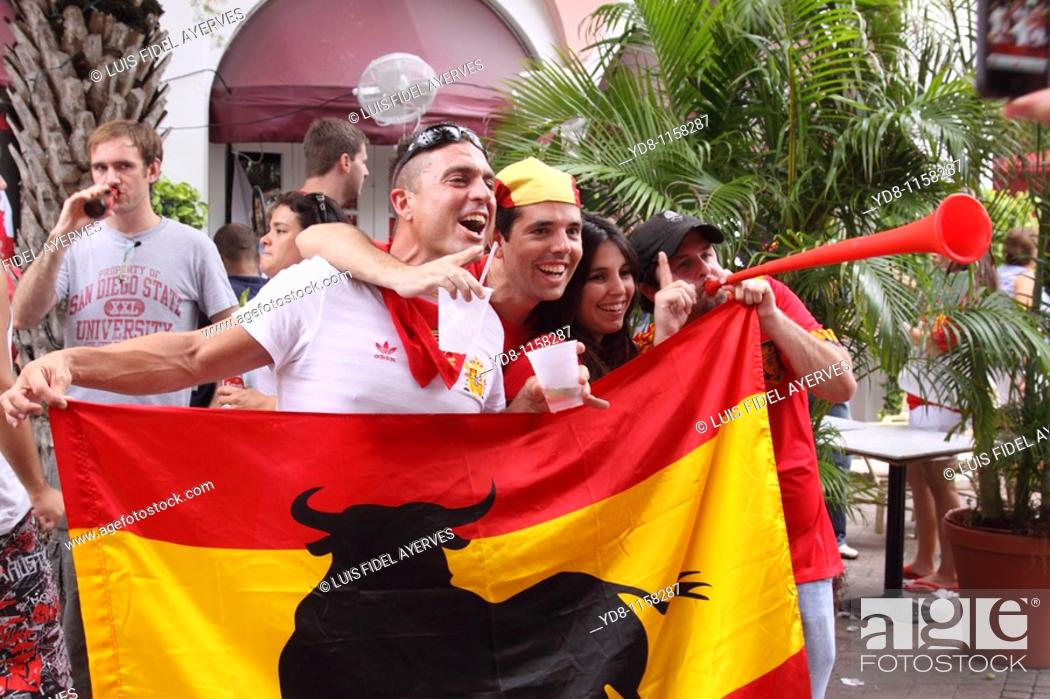 Stock Photo: Amateur celebrating the victory of Spain vs Paraguay 2010 World Subafrica futball.