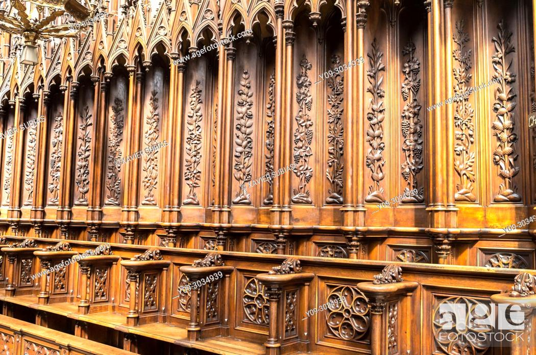 Imagen: Interior and Choir Stalls of Dominican Church of the Holy Trinity, Krakow, Poland.