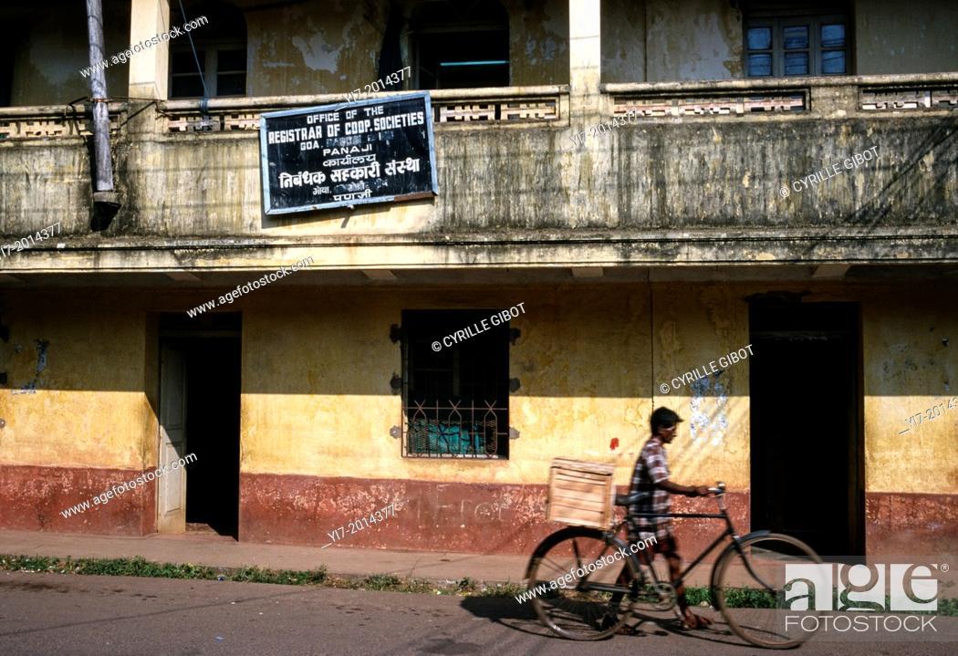 Stock Photo: Weathered facade in a street of Panaji, Goa, India.