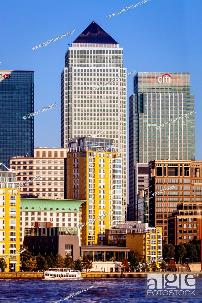 Stock Photo: Canary Wharf Financial District, London, England.