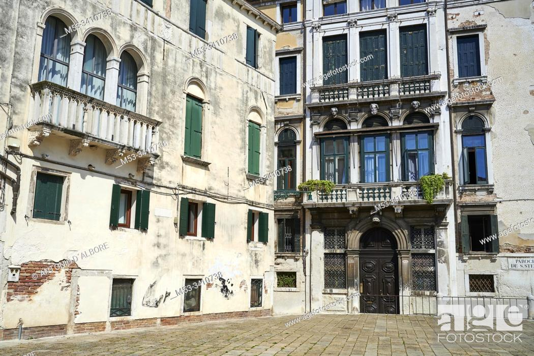 Imagen: Very old decorated buildings in Campo San Anzolo. Sestiere San Marco. Venice. Veneto. Italy.