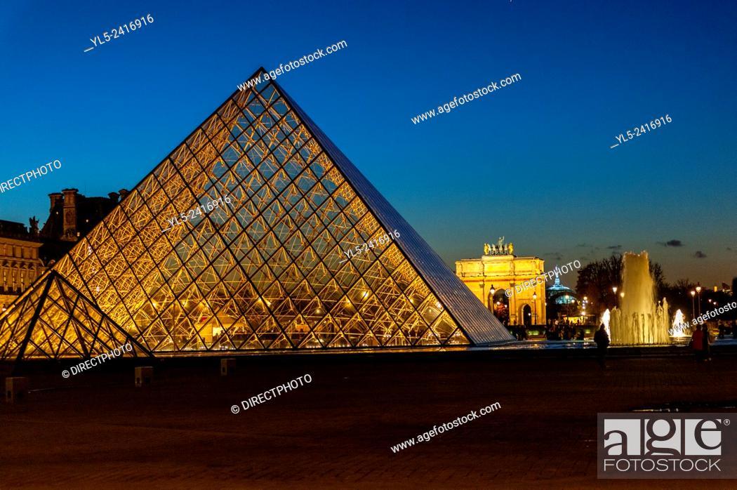 Imagen: Paris, France - Pyramid at Night, The Louvre Museum, Credit Architect: I.M. Pei.