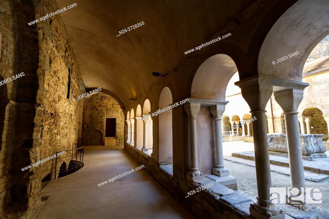 Stock Photo: Sant Pere de Rodes monastery. Cloister. Romanesque. El Port de la Selva.