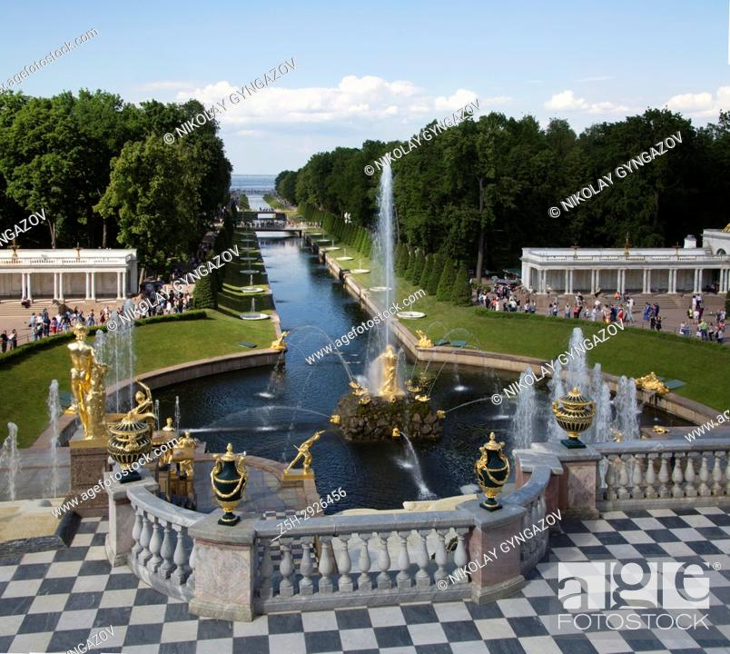 Stock Photo: Golden statues and fountains in Peterhof Park Petrodvorets, St. Petersburg, Russia.