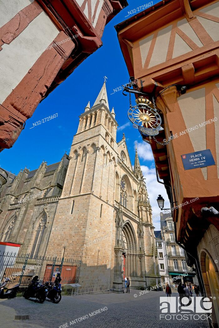 Stock Photo: Vannes, City, Old Town and medieval houses, Morbihan, Bretagne, Brittany, France, Europe. .