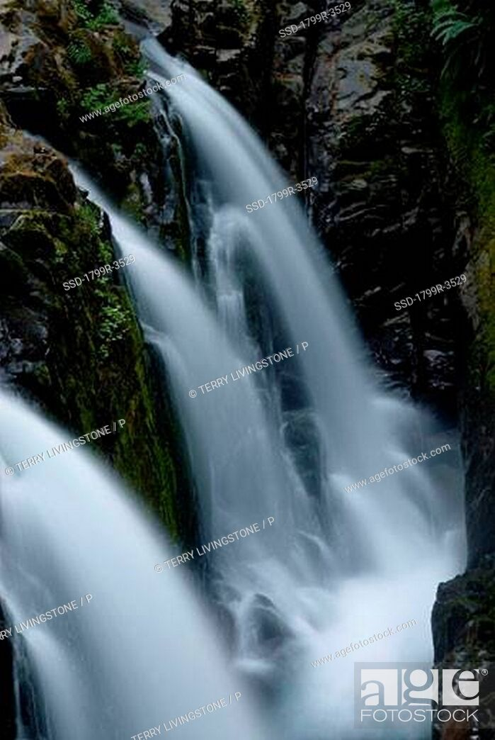Imagen: High angle view of a waterfall, Sol Duc Falls, Olympic National Park, Washington State, USA.
