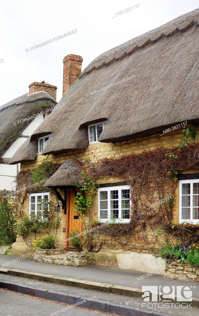Stock Photo: Cottage. Long Crendon. Oxfordshire. England.
