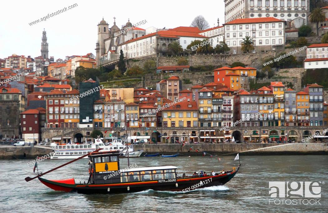 Stock Photo: 'Rabelos' (typical barges) on Douro river. Vila Nova de Gaia, Porto. Portugal.