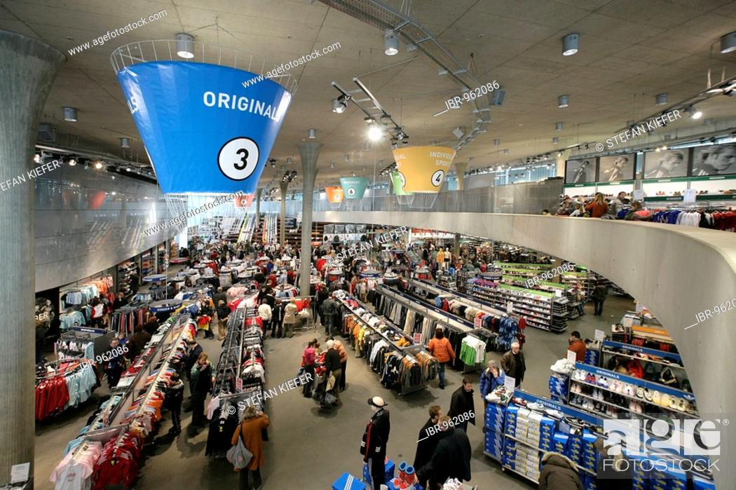 store new images of vast selection Outlet store of the Adidas Salomon AG in Herzogenaurach ...