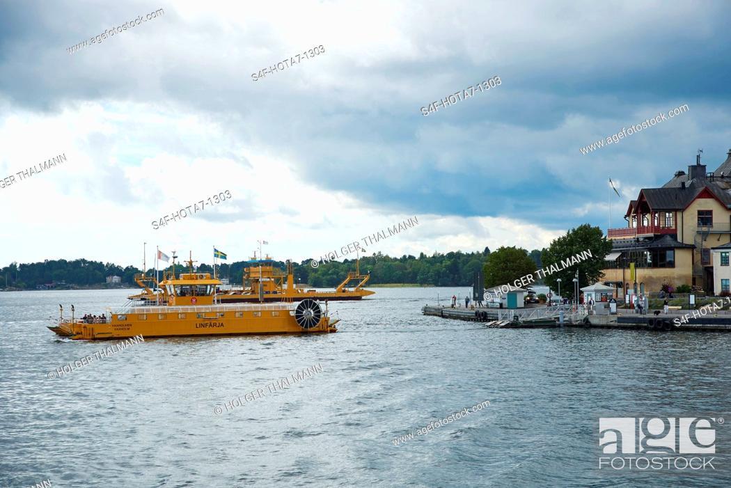 Imagen: Schweden, Vaxholm, Boot im Wasser.