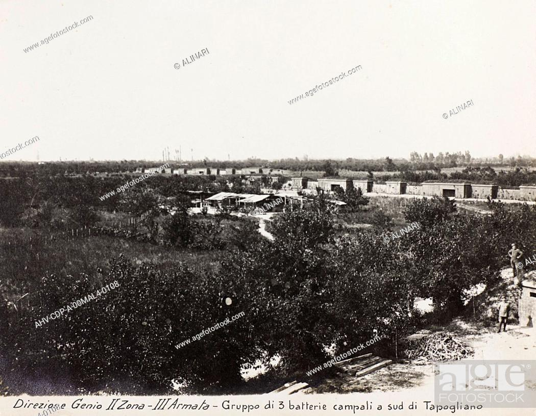 Imagen: Album Italo-Austrian War 1915-1918 pigeons: Leadership Corps of Engineers 2nd Area 3rd army, group of three field batteries south of Tapoglaino, shot 1915-1918.