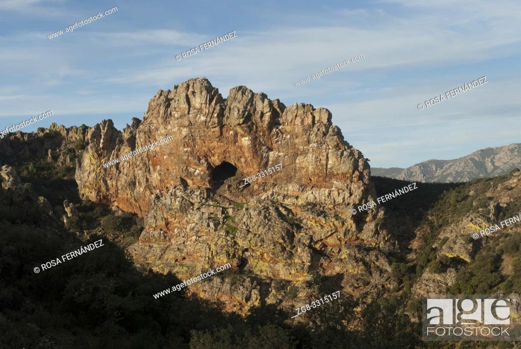 Stock Photo: Peña Amarilla viewpoint, Guadalupe, Villuercas Range, province of Caceres, Extremadura, Spain.