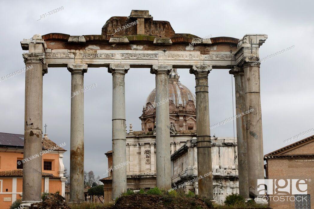 Stock Photo: Italy, city of Roma , the forum.