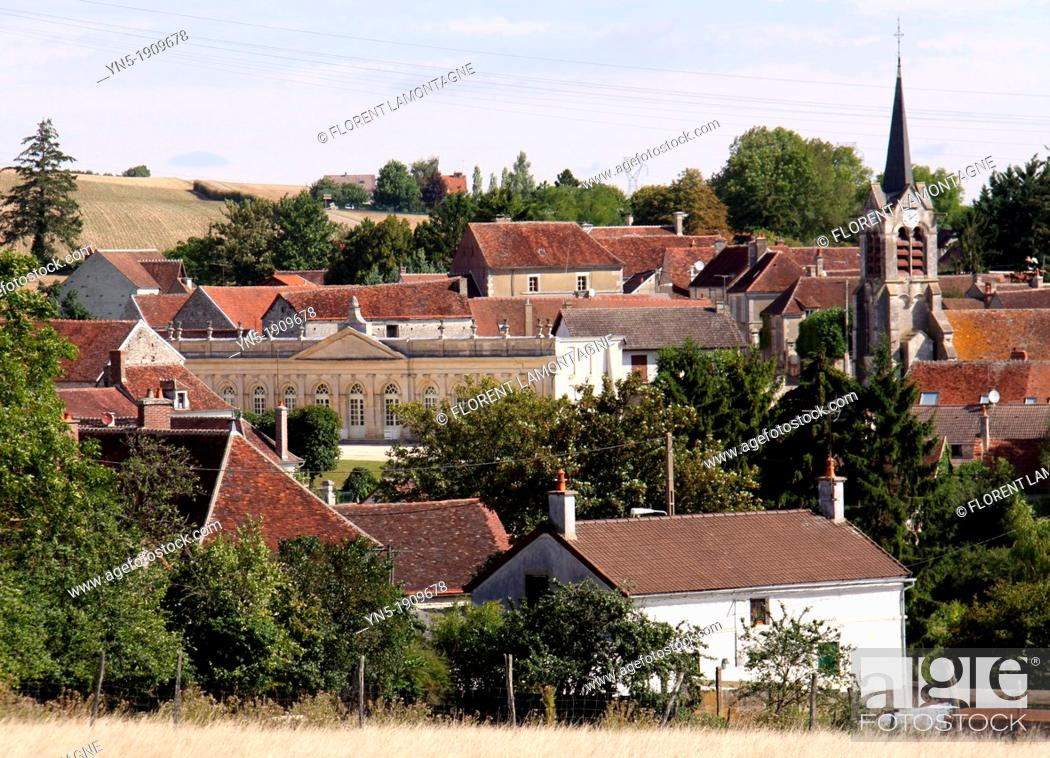Stock Photo: Tonw of France, Burgundy, Yonne, Yrouerre with its church and its famous orangery.