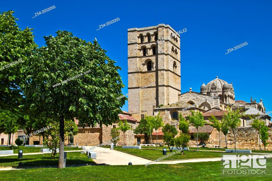 Imagen: Zamora Cathedral, Castile and Leon, Spain.
