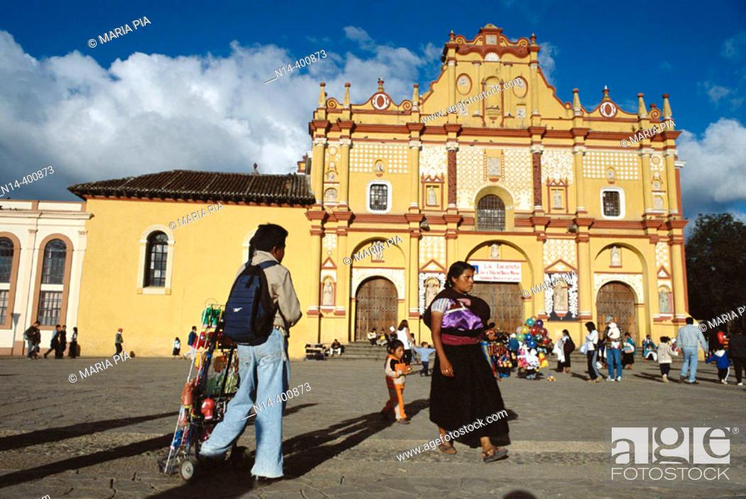Stock Photo: Cathedral. San Cristobal de las Casas. Chiapas. Mexico.