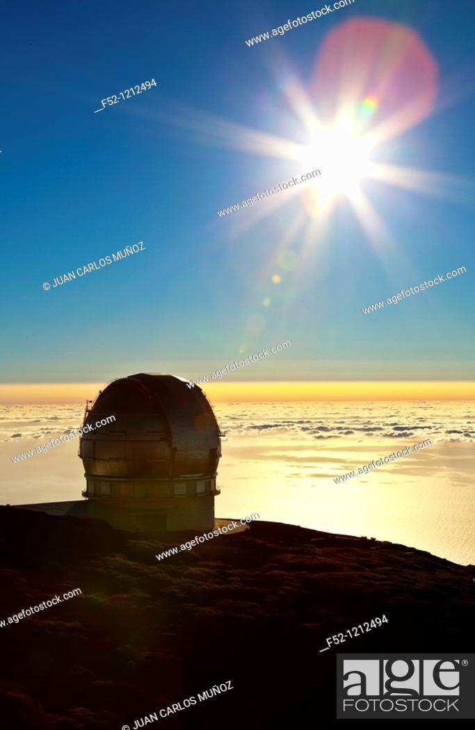 Stock Photo: Gran Telescopio Canarias, Observatorio Astrofísico del Roque de los Muchachos, Parque Nacional de la Caldera de Taburiente, La Palma, Santa Cruz Province.