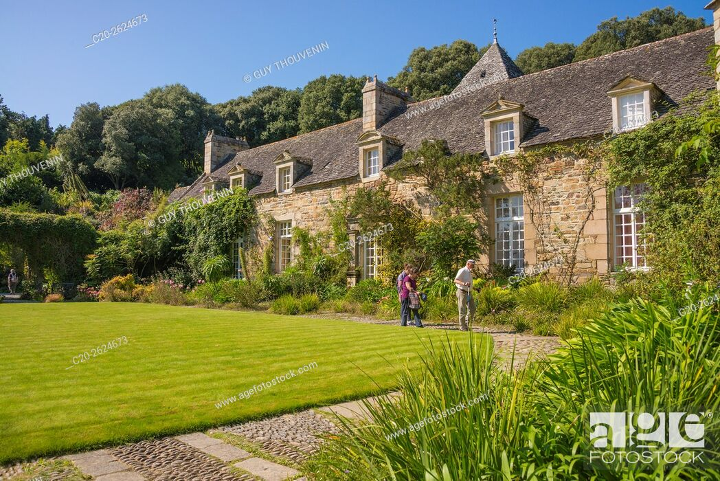 Stock Photo: Kerdalo gardens and manor house, Cotes d'Armor, 22, Brittany, France.