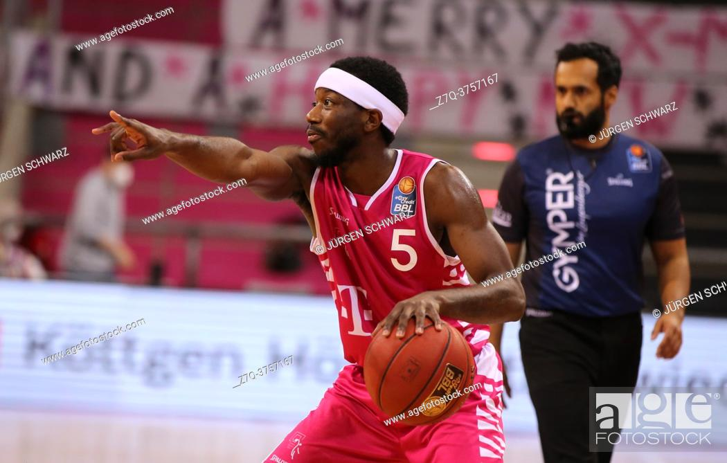 Imagen: Bonn, Germany, 27. 12. 2020, Telekom Dome, Basketball Bundesliga, Telekom Baskets Bonn vs BG Goettingen: Josh Hagins (Bonn) gestures.