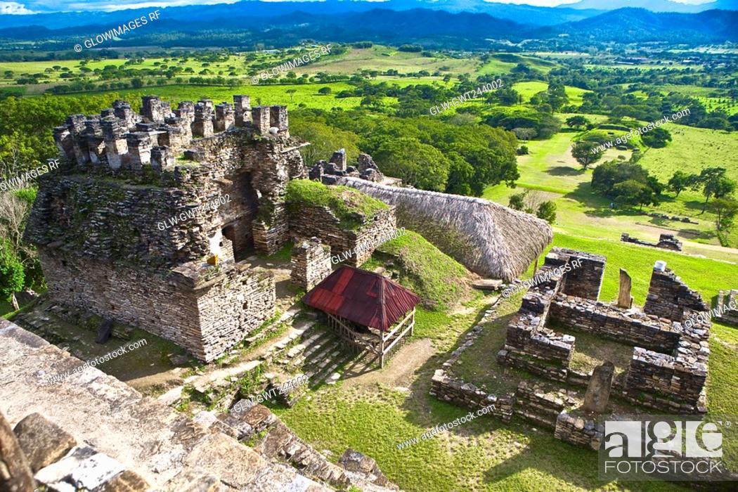 Stock Photo: High angle view of old ruins of a building, Tonina, Ocosingo, Chiapas, Mexico.