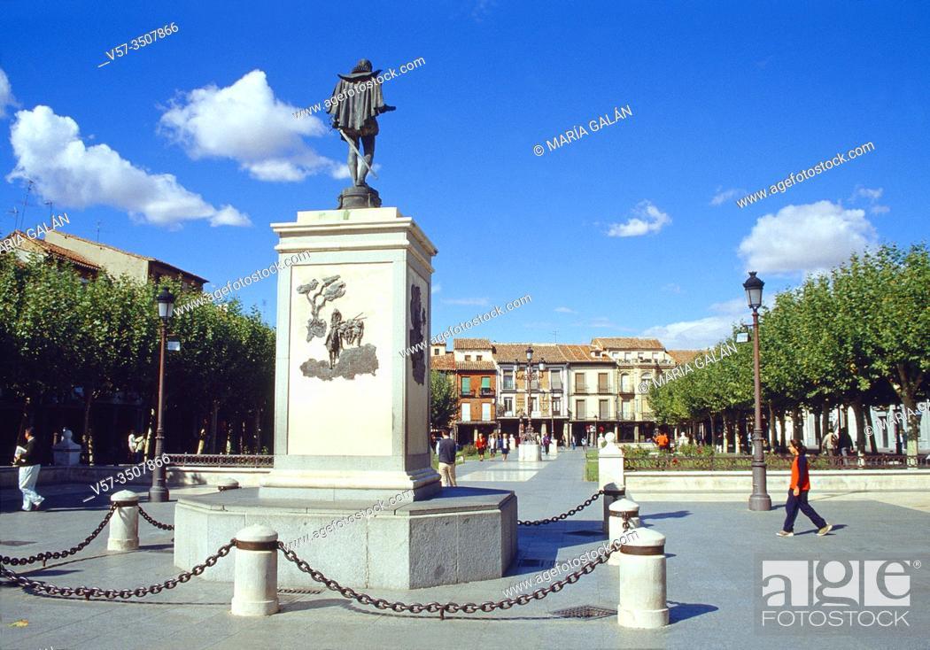 Imagen: Cervantes Square. Alcala de Henares, Madrid province, Spain.