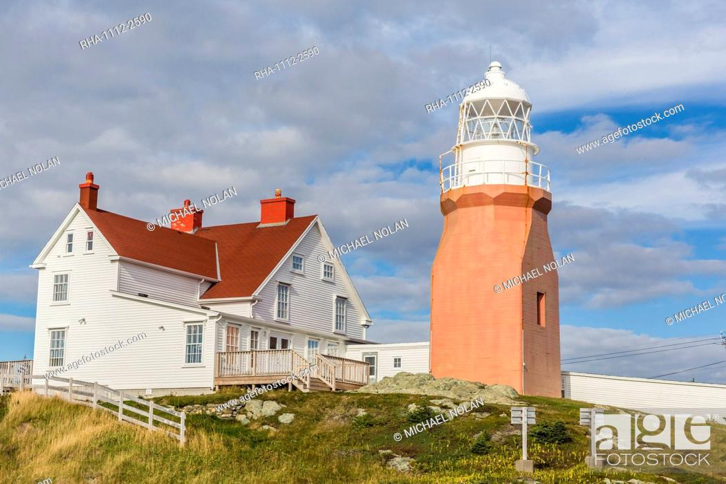 Stock Photo: Long Point lighthouse on Crow Head, North Twillingate Island off the northeast coast of Newfoundland, Canada, North America.