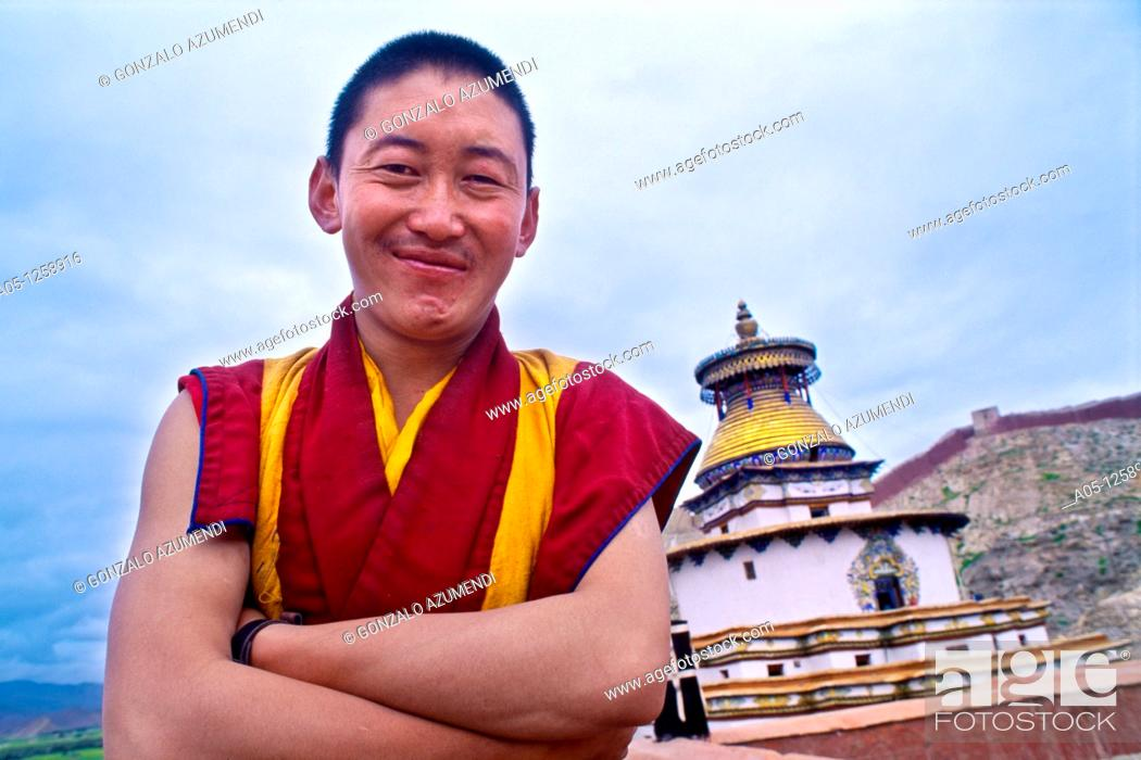 Stock Photo: The Kumbum Stupa in Gyantse  Tibet's largest  Pelkor Chode Monastery  Gyantse  Tibet  China.