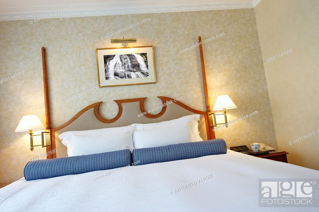Stock Photo: Big King size bed in a five star hotel.