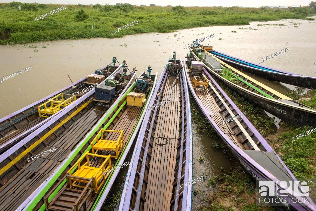 Stock Photo: Boats parked near land in Inle Lake, Myanmar.