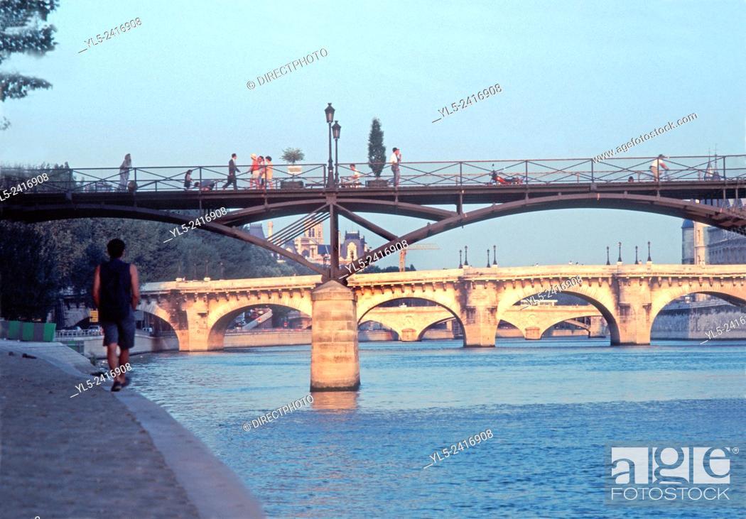 Imagen: Paris, France - Seine River, Pont des Arts Bridge with Pont Neuf, From Quai du Louvre.