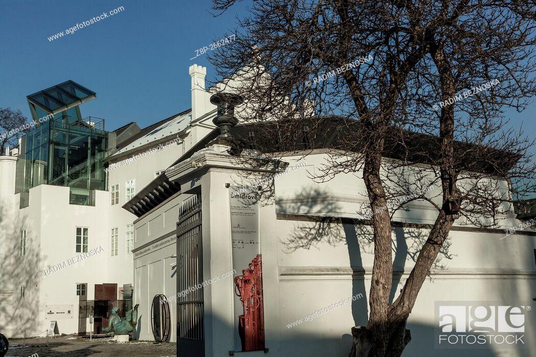 Imagen: Museum of Contemporary Art on Kampa Island, Prague, Czech Republic.