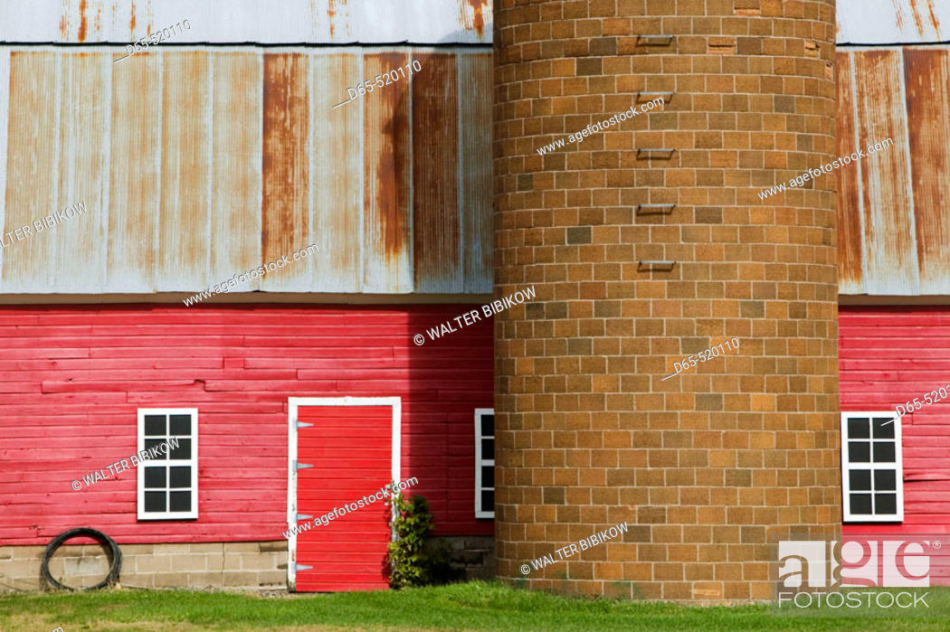 Stock Photo: Red Barn. North Branch. Minnesota. USA.