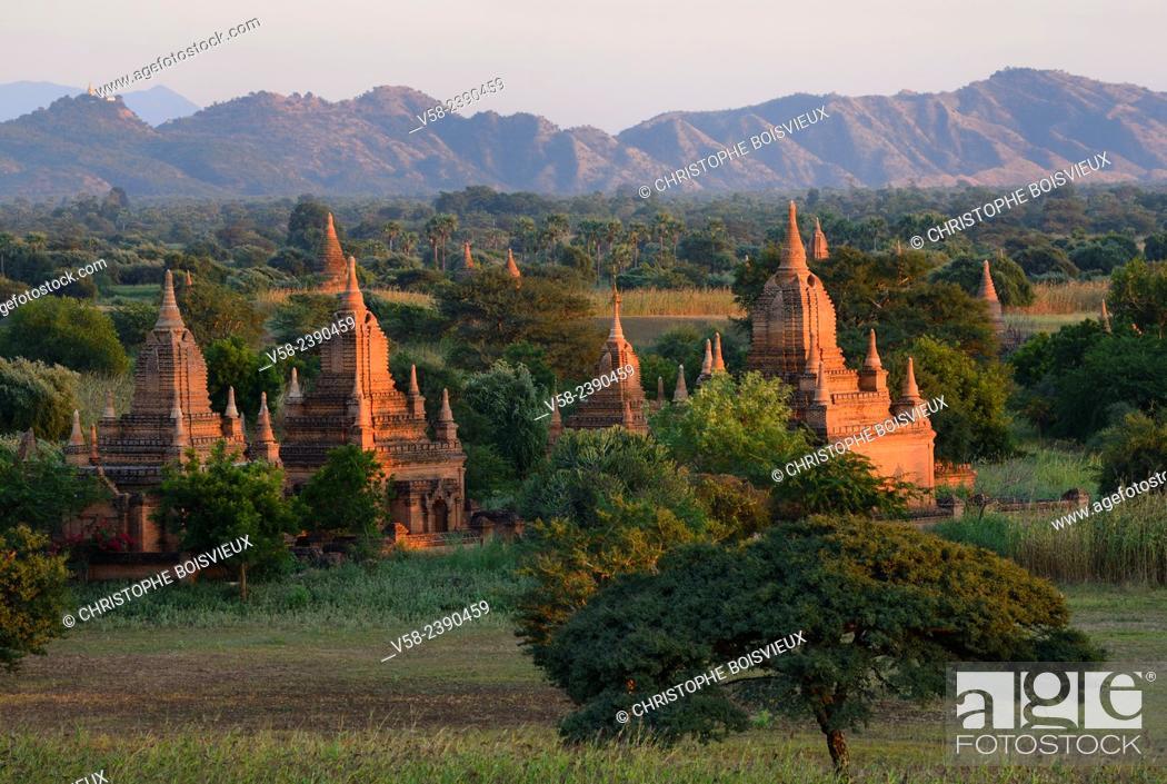 Stock Photo: Myanmar, Bagan, Surroundings of Thabeik Hmauk pagoda.