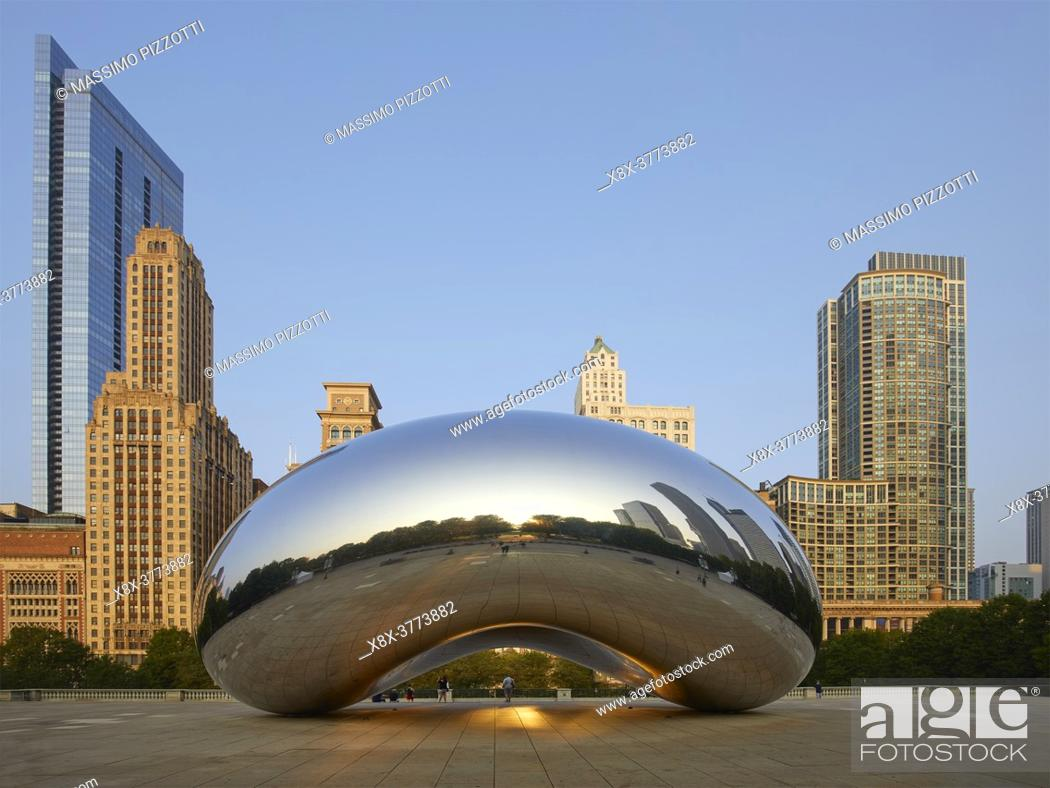 Stock Photo: The sculpture Cloud Gate, also known as the Bean, at Millenium Park, Chicago, Illinois, United States.
