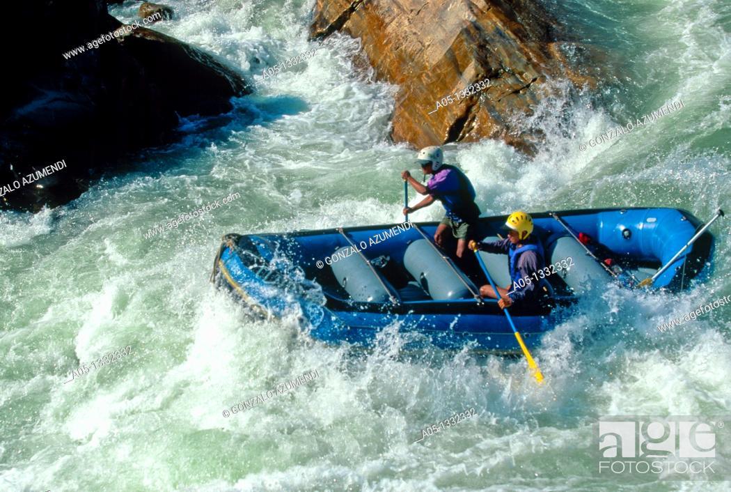 Stock Photo: TOURISTS RAFTING ON BHOTE KOSI RIVER  HIMALAYA  NEPAL.