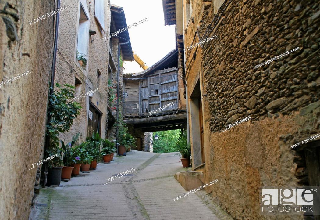 Imagen: Traditional architecture, Robledillo de Gata. Cáceres province, Extremadura, Spain. Conjunto histórico artístico.