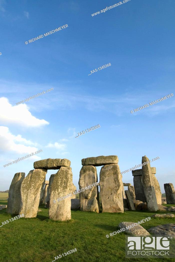 Stock Photo: Stonehenge, England, UK.