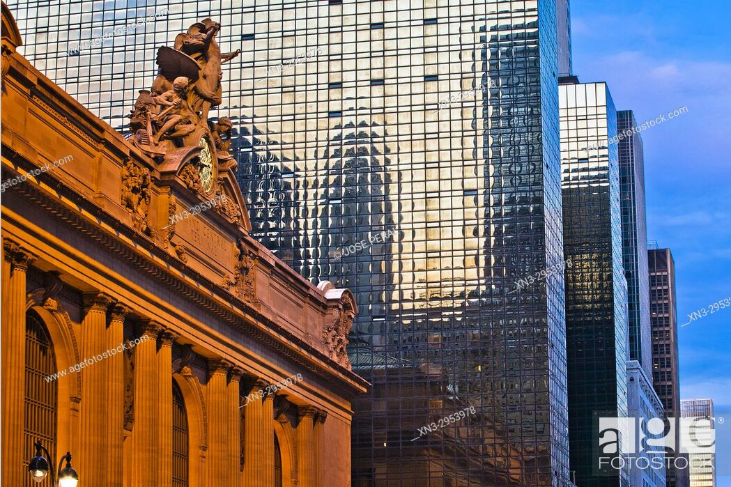 Imagen: At left Grand Central Station or Grand Central Terminal, Midtown, Manhattan, New York City, New York, USA.