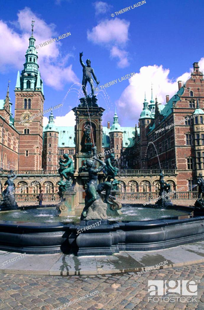 Stock Photo: Denmark, Frederiksborg castle.