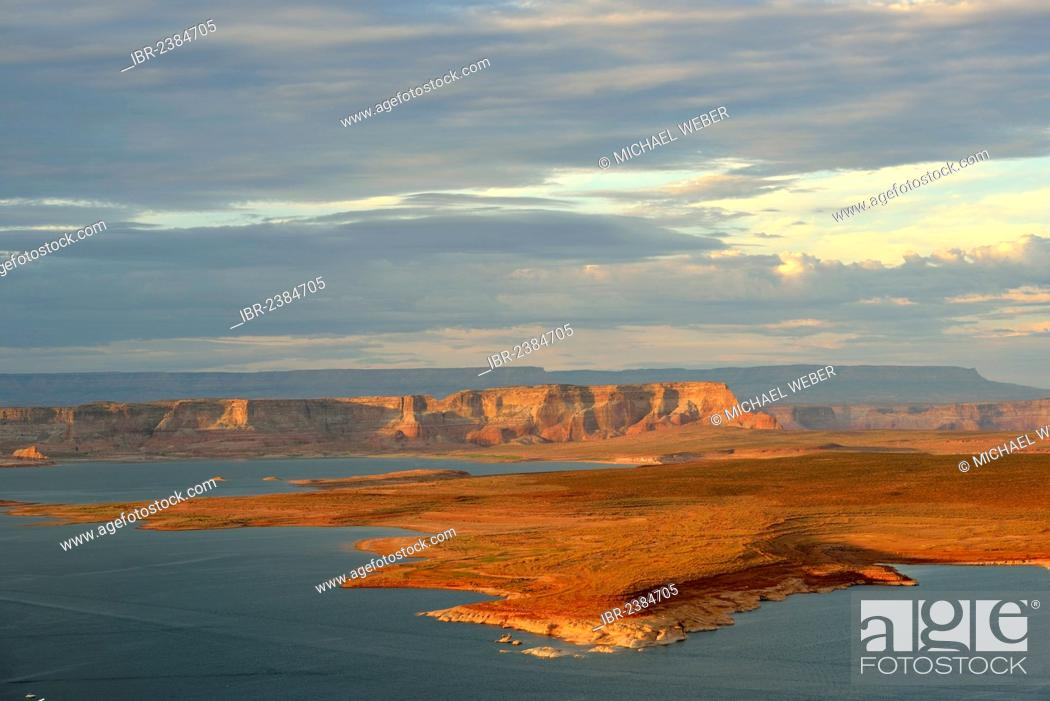 Stock Photo: View from the Wahweap View Overlook on the Antelope and Navajo Canyon, Lake Powell, Glen Canyon National Recreation Area, Page, evening light, Arizona.