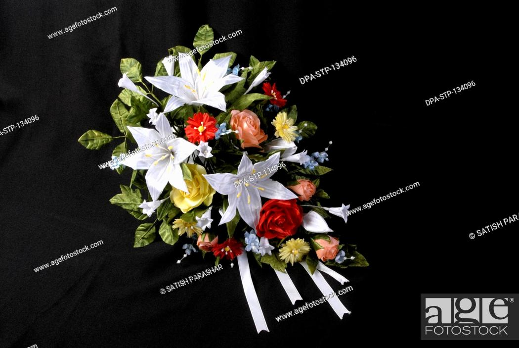 Bridal bouquet used in Christian wedding name of flowers marguerite ...