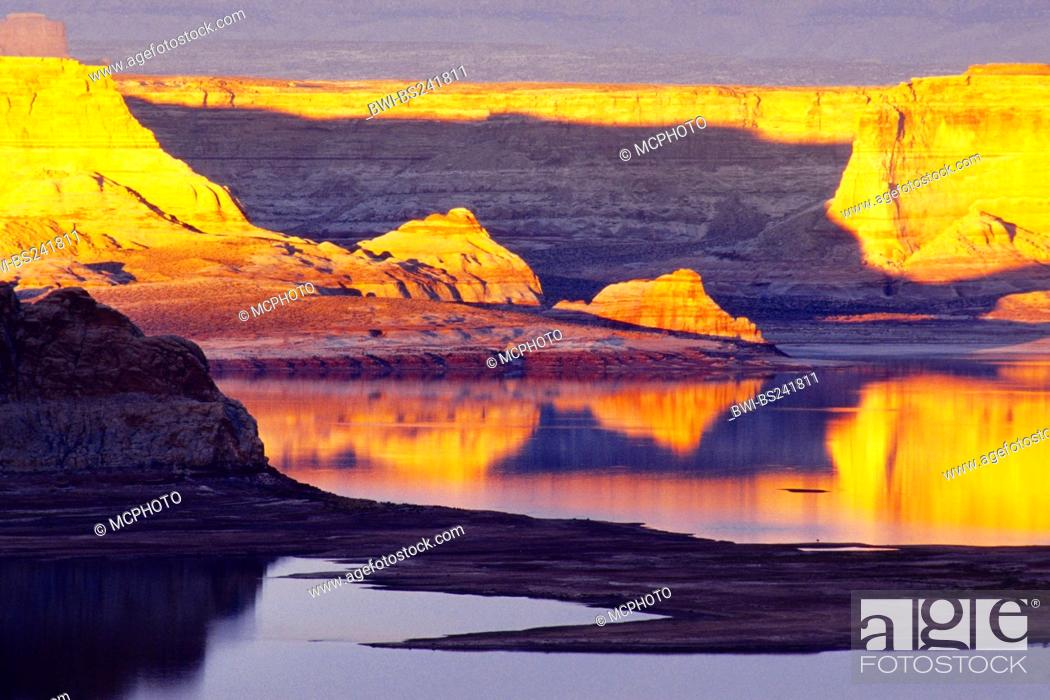 Stock Photo: Glen Canyon and Lake Powell in evening light, USA, Glen Canyon National Recreation Area.