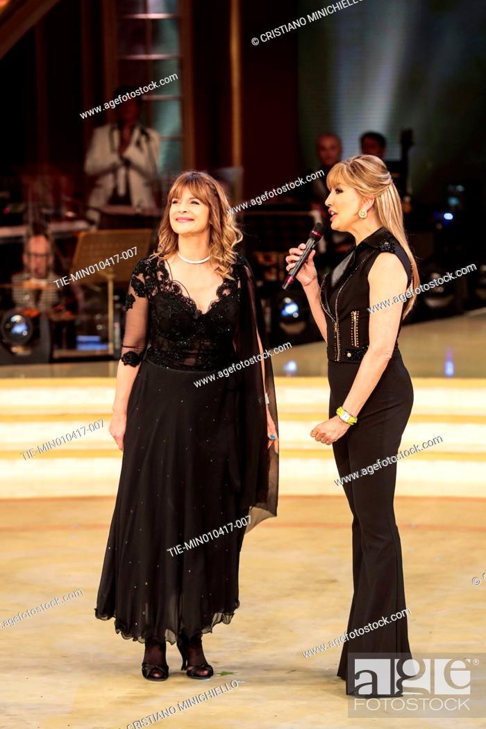 Imagen: The actress Nastassja Kinski with Milly Carlucci during the tv show Ballando con le stelle, Rome, ITALY-01-04-2017.