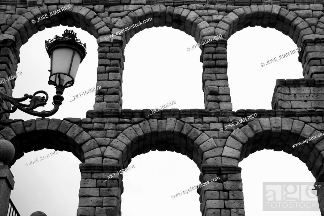 Stock Photo: Roman aqueduct, Segovia, Spain.