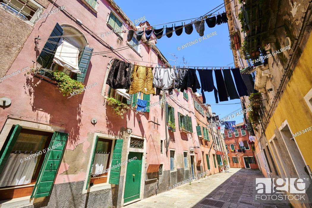 Imagen: Residential homes in Corte de le Colone. Sestiere Castello. Venice. Veneto. Italy.