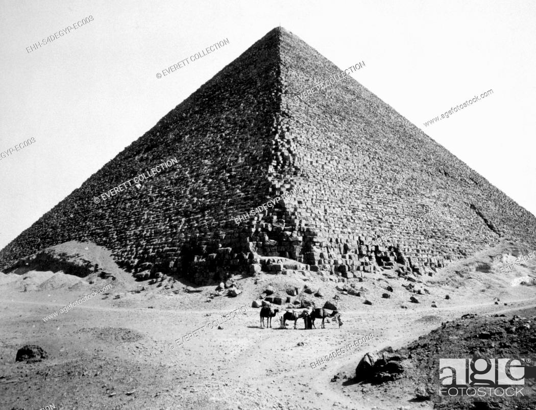 Imagen: The Pyramid of Cheops, photograph by G. Lekegian ca. 1880.